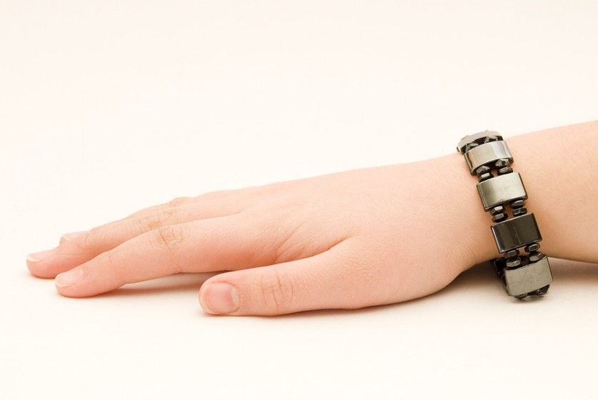 Magnetic bracelets do they really work healthy diet base for How does magnetic jewelry work